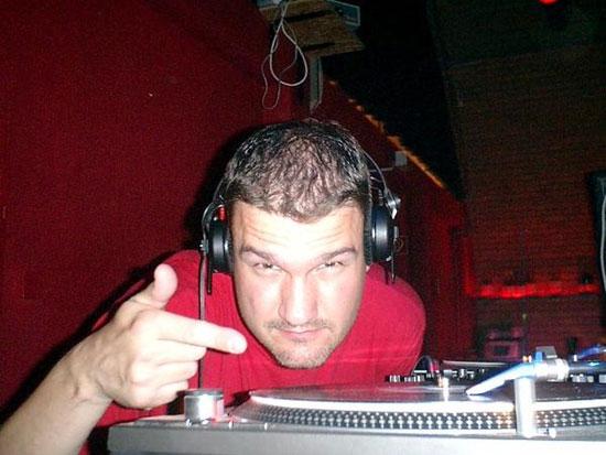 Wreckz ist DJ aus Berlin und legt mittlerweile mit Videos auf