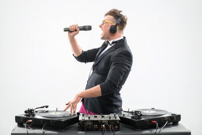 Als Hochzeits DJ musst Du ziemlich sicher auch ein MIC benutzen