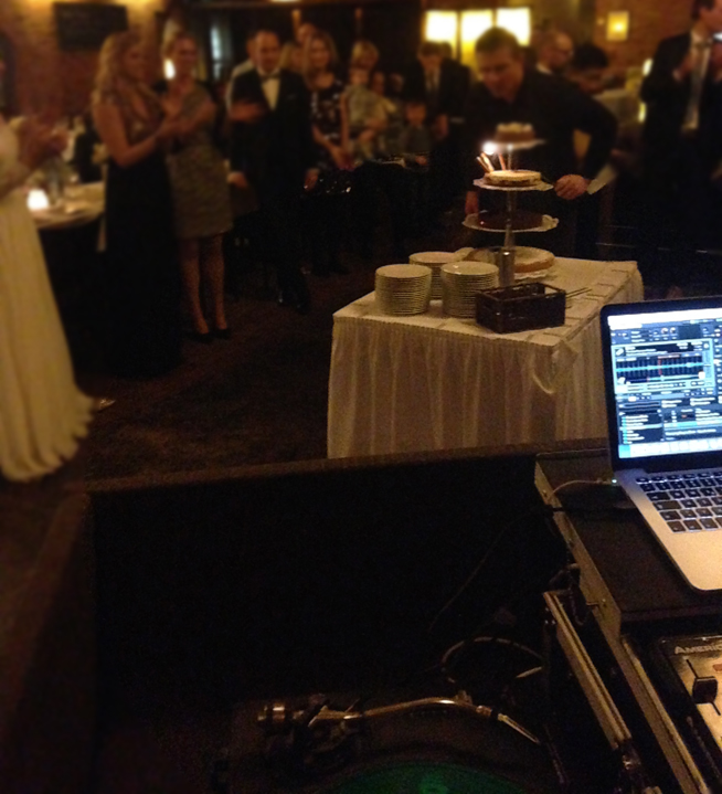 Als Hochzeits DJ zu arbeiten ist etwas völlig anderes als im Club aufzulegen