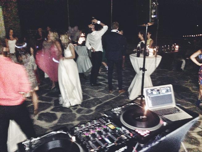 Hochzeiten sind super, um an neue DJ Gigs zu kommen